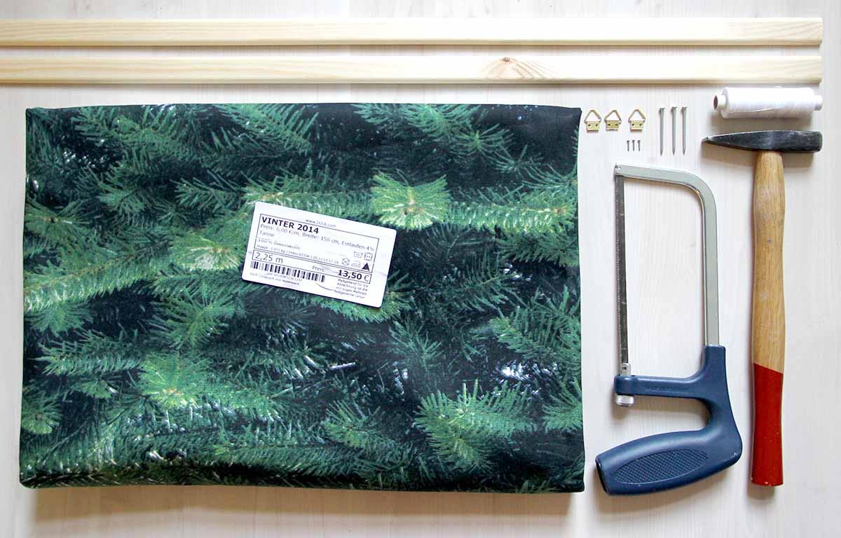 alle Zutaten für den Weihnachtsbaum an der Wand